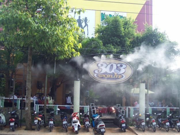 hệ thống máy phun sương quán cafe